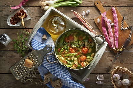 bean soup with green asparagus and