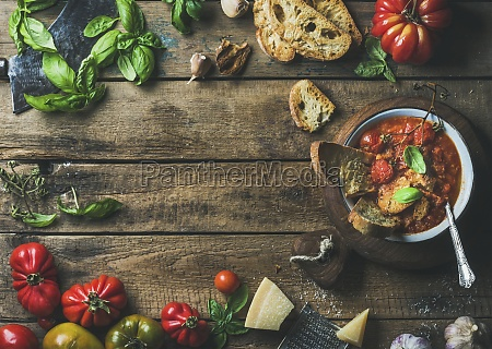 homemade italian roasted tomato and garlic