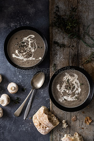 mushroom soup with cream and thyme
