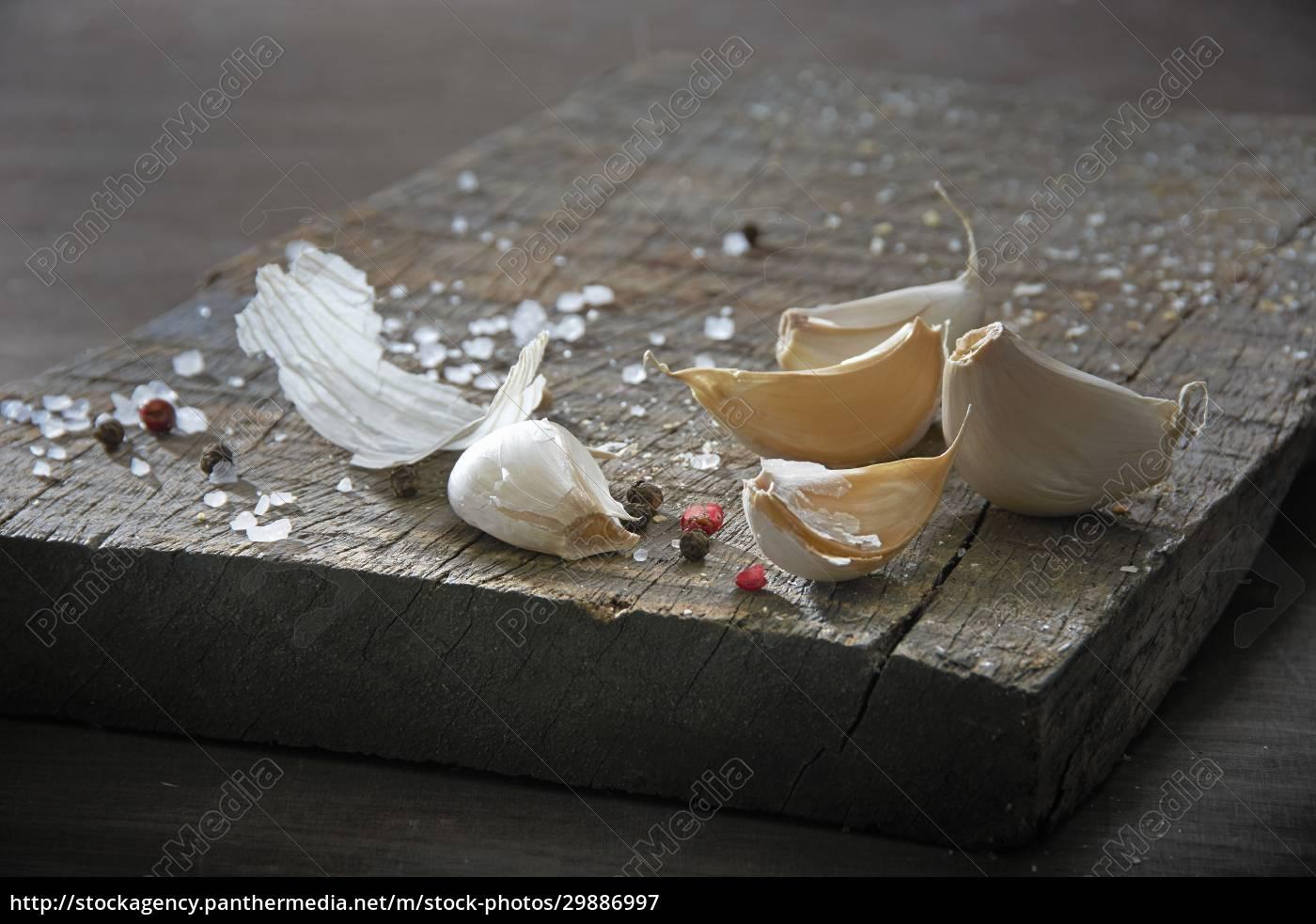 still, life, with, garlic, cloves, , coarse - 29886997