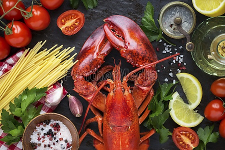 steamed red lobster with spaghetti red