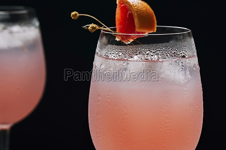 cocktail grapefruit alcoholic beverage with tropical