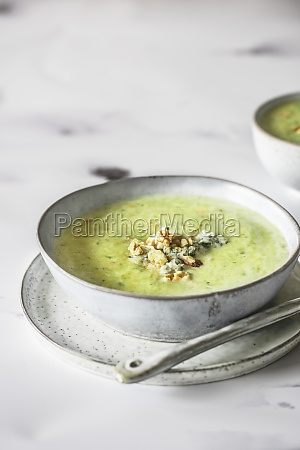 fennel soup with walnuts and blue