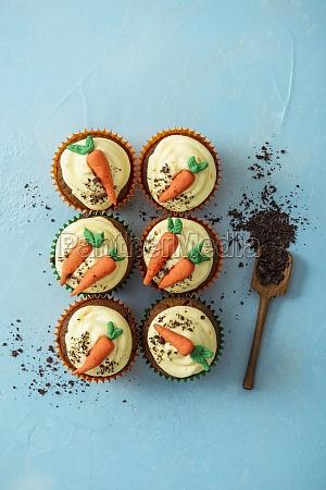 carrot cake cupcakes with orange cream