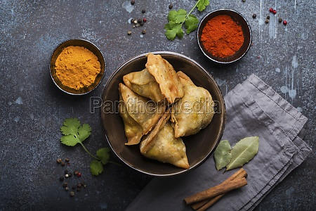 indian samosas fried pastry with