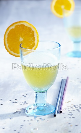 christmas gluehsecco white mulled wine with
