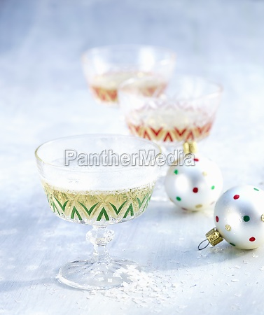 christmas champagne cocktails with pear juice