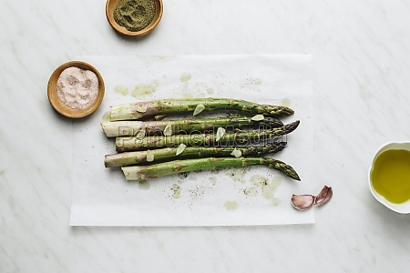 asparagus marinated in olive oil black