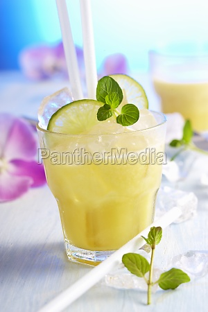 non alcoholic exotic fruit drink with