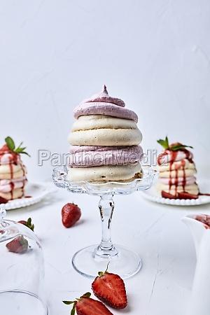small strawberry pavlovas