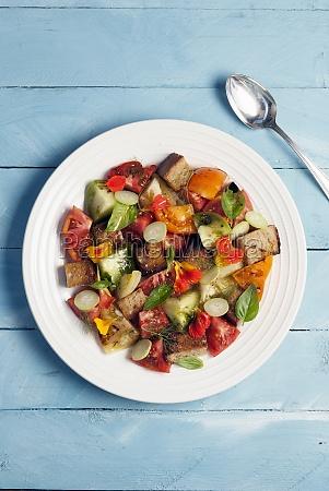 gluten free panzanella salad with heirloom