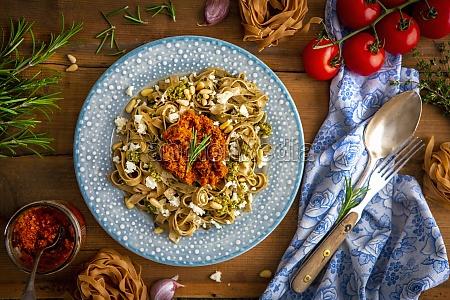 pasta with basil and tomato pesto