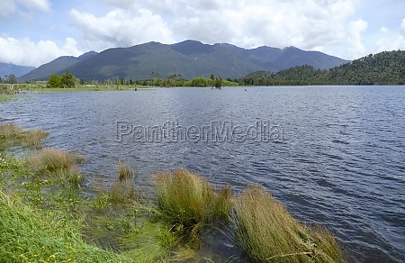 lake poerua in new zealand