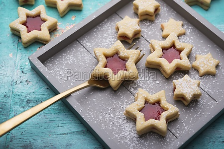 vegan short pastry stars filled with