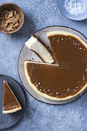 cheesecake with carmelized white chocolate