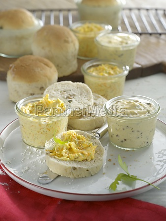 bread baked in glasses with two