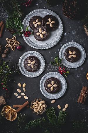 chocolate elisenlebkuchen nuremberg gingerbread cake on