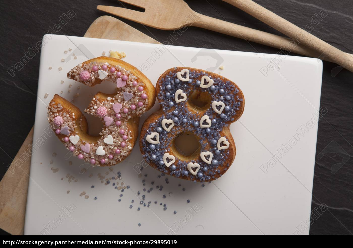 number-shaped, doughnuts - 29895019