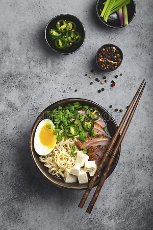 ramen noodle soup with tofu pork