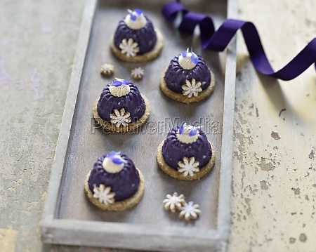 vegan mini blueberry ring cakes with