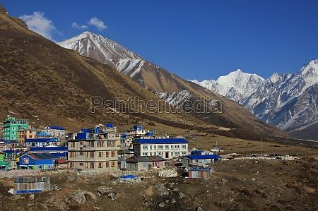 hotels in kyanjin gumba nepal tserko