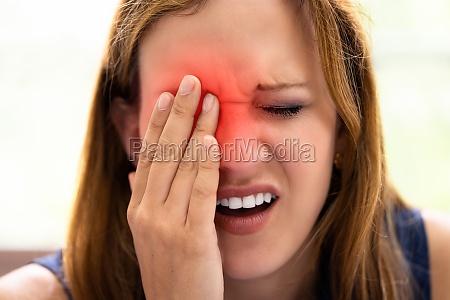 glaucoma eye pain