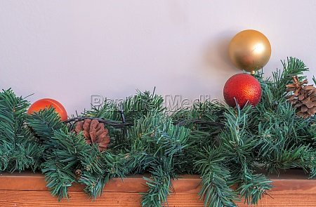 christmas ornaments gold ball and red