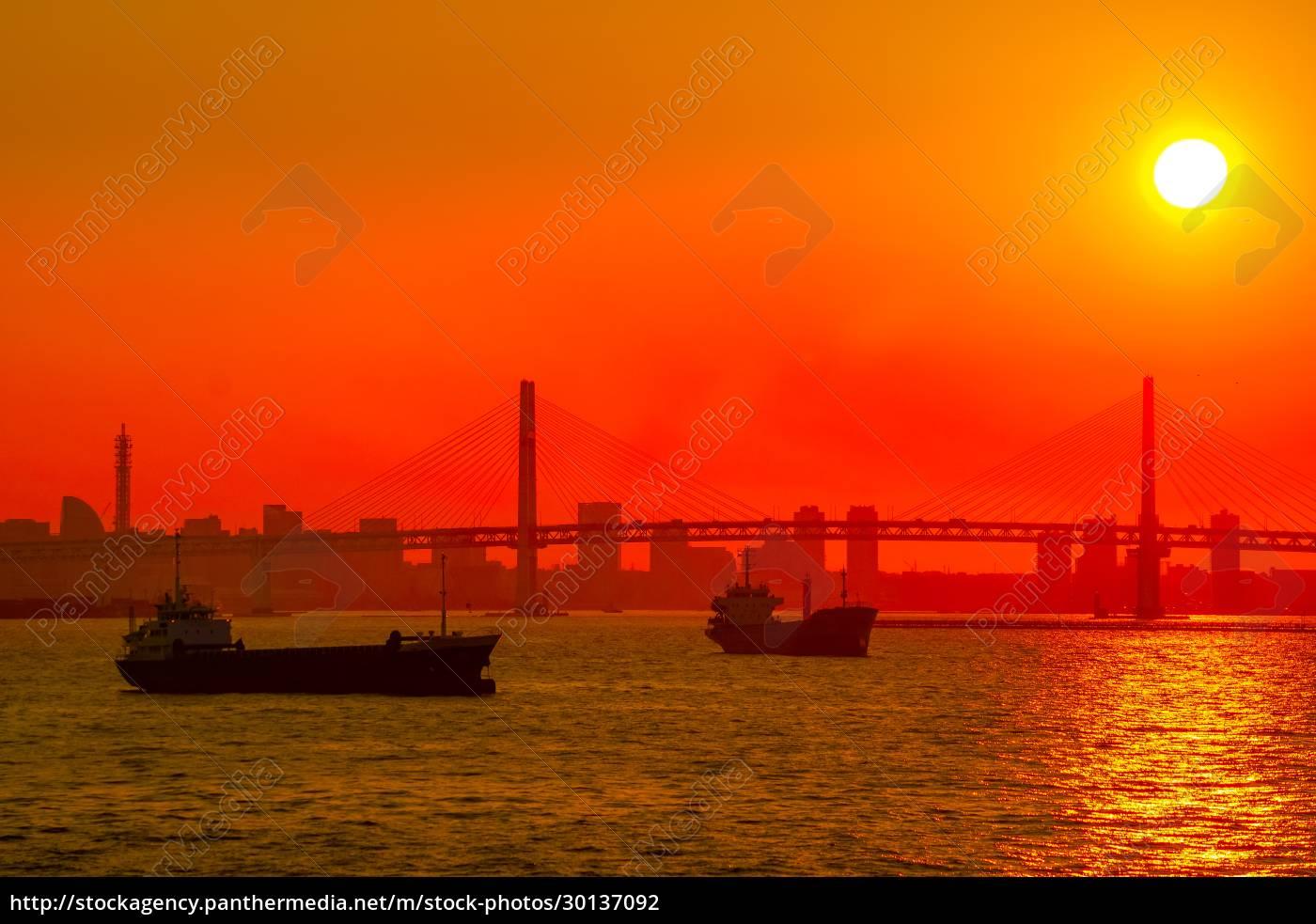 cargo, ship, silhouette, and, yokohama, skyline - 30137092