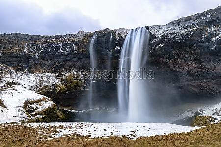 front, view, of, the, seljalandsfoss, waterfall - 30151945