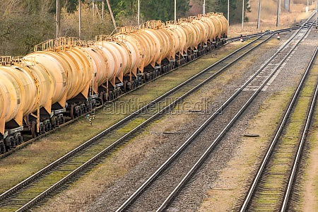 railway tank cars used to transport