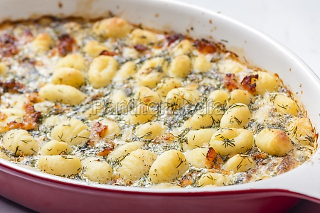 baked gnocchi with salmon and dill