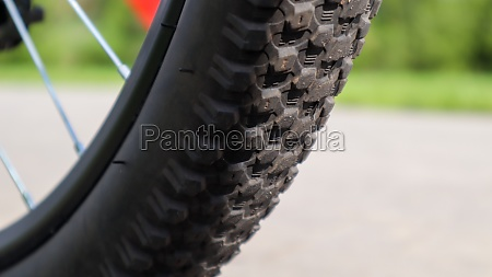 mountain bike wheel and mud tire