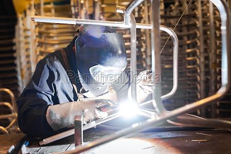 welder working in a steel manufacturing