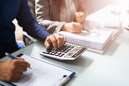 financial statement fraud investigation by auditor