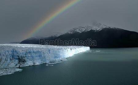 patagonia lake argentino andes mountains perito