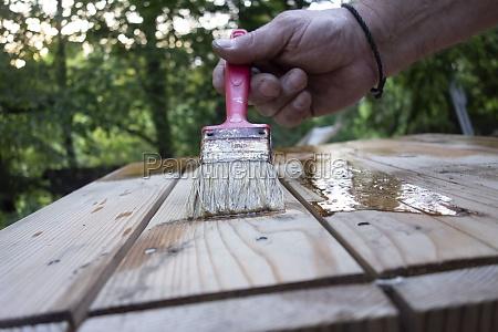 varnishing as a wood finish