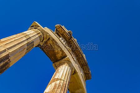delfos oracle peloponese greece