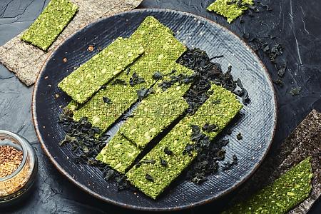 kelp and spirulina chips vegetarian