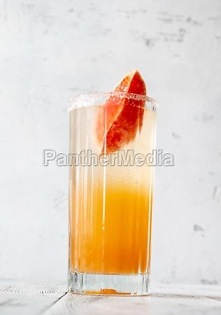 glass of paloma virgin mocktail