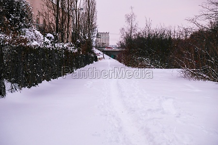 the snowy path along the leipzig