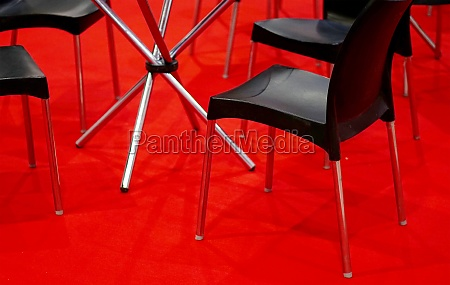 round glass top table and chairs