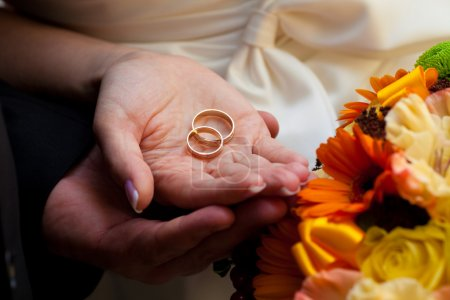 on, holiday, love, flowers, hands, hand - B20728247